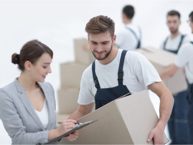 https://crsmove.com/wp-content/uploads/2020/01/Corporate-Movers-640x480.jpg