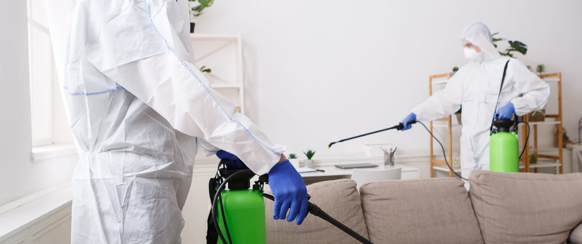 https://crsmove.com/wp-content/uploads/2020/05/Disinfecting-and-electrostatic-spraying.jpg