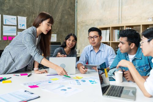 https://crsmove.com/wp-content/uploads/2021/09/asian-business-people-teamwork-are-brainstorming-or-discussion-roadmap-marketing.jpg